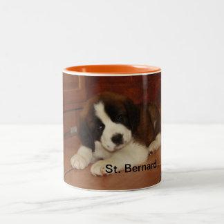 Chiot adorable et doux de St Bernard Mug Bicolore
