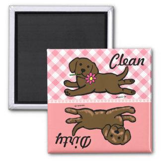 Chiot de Labrador de chocolat propre sale