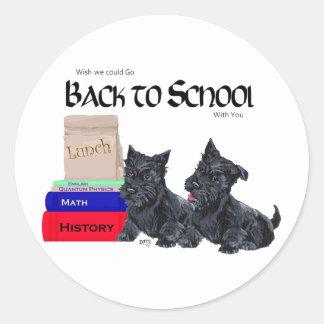 Chiots de Scottie de nouveau à l'école Sticker Rond