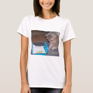 Chloe the Cat Helping you to relax T-Shirt