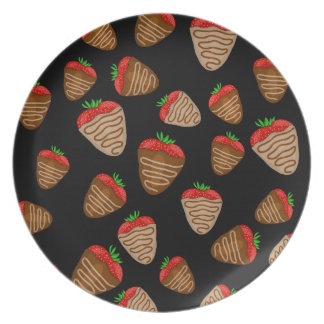 Chocolate strawberries pattern party plate