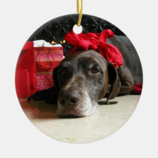 Christmas german shorthaired pointer round ceramic ornament