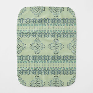 Christmas knitted pattern burp cloth