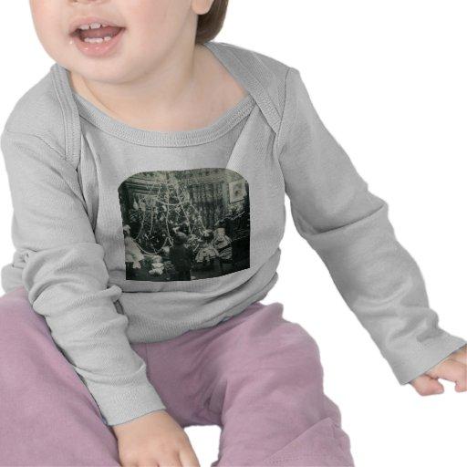 Christmas Morning - Vintage Stereoview T Shirt