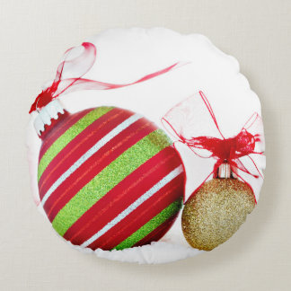 Christmas Ornaments Balls Contemporary Round Pillow