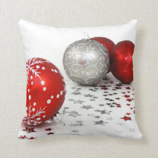 Christmas Throw Pillows With Decorations