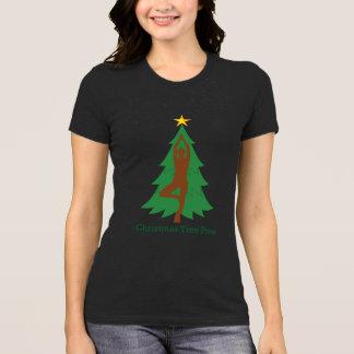 """""""Christmas Tree Pose"""" Tshirt"""