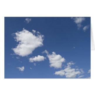 cielo  azul con nubes blancas greeting card