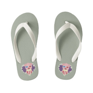 Cinema Pig with flower heart Zvf1w Kid's Flip Flops