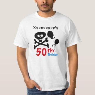 cinquantième Os croisés de crâne d'anniversaire Tee-shirts
