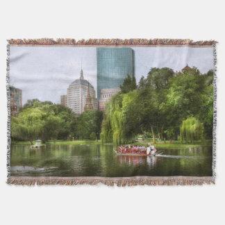 City - Boston Ma - Boston public garden Throw Blanket