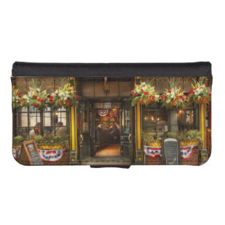 City - Boston MA - For the weary traveler iPhone SE/5/5s Wallet Case