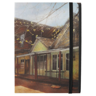 """City - California - The town of Downieville 1933 iPad Pro 12.9"""" Case"""