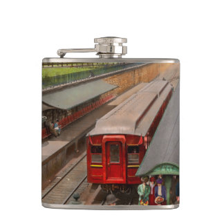 City - Chicago - The Van Buren Street Station 1907 Hip Flask