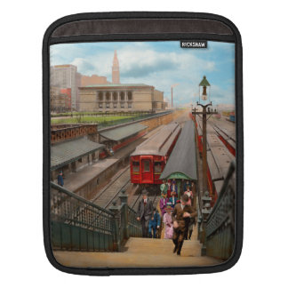 City - Chicago - The Van Buren Street Station 1907 iPad Sleeve