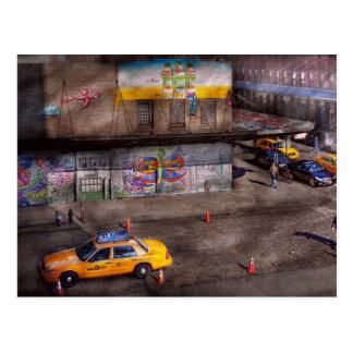 City - New York - Greenwich Village - Life's color Postcard