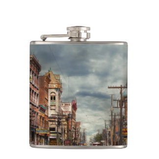 City - NY - The ever changing market place 1906 Flask