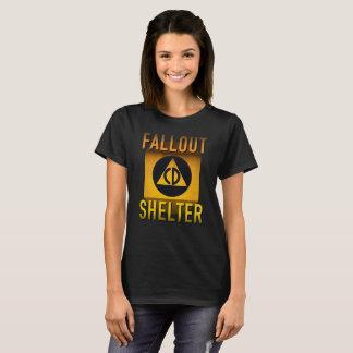 Civil Defense Fallout Shelter Atomic Age Grunge : T-Shirt