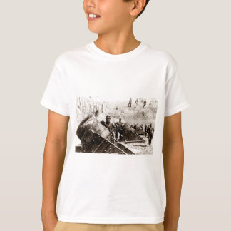 Civil War Mortar battery at Yorktown T-Shirt