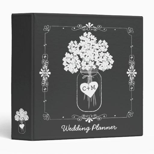 Classeur du wedding planner de la jeune mariée de