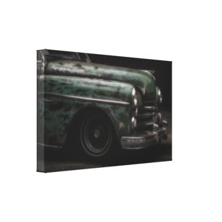 Classic Old Fashioned Car Photo Canvas Print