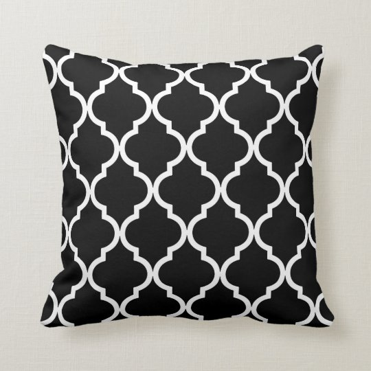 Classic Quatrefoil Pattern in Black and White Throw Pillow