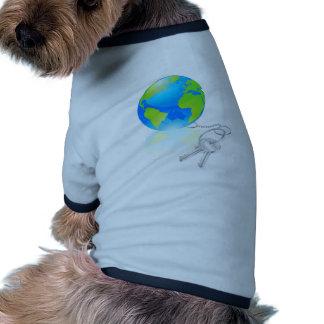 Clés au concept du monde tee-shirt pour toutou