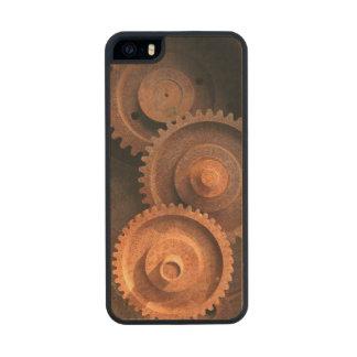 Clockworks Gear Mechanisms Carved® Maple iPhone 5 Case