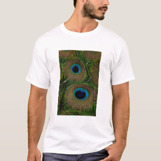 Close-up of peacock feathers T-Shirt