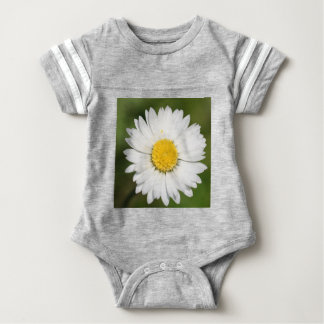 Closeup Of A Beautiful Yellow And Wild White Daisy Baby Bodysuit