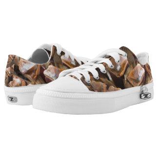 Closeup of pine cone Low-Top sneakers