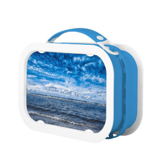 Cloudy day on the beach lunch box