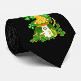 Clover hat tie