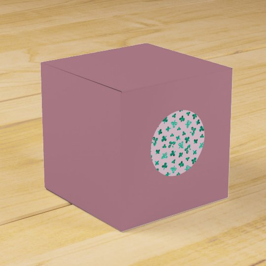 Clover Leaves Classic Favour Box
