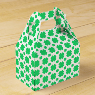 Clover Patterned Wedding Favor Box