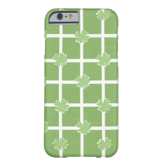 Clover St Patrick's Day Shamrock Green & White Barely There iPhone 6 Case