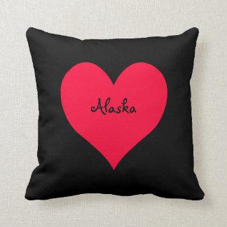 Coeur noir et rouge de l'Alaska Coussin