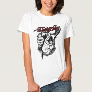 Coeur sanglant tshirts