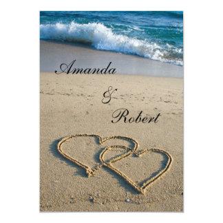 Coeur sur le faire-part de mariage de plage de