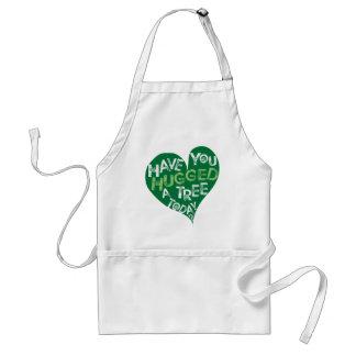 Coeur vert (étreignez un arbre) tabliers