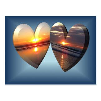 Coeurs de coucher du soleil carte postale