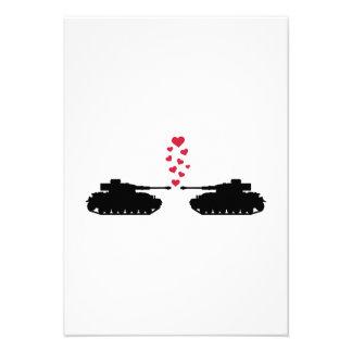 Coeurs de rouge d'amour de réservoir faire-parts