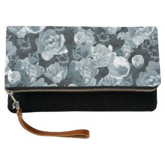 Cold toned tulips clutch