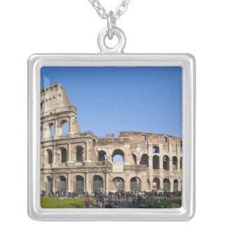 Colisé romain pendentif carré