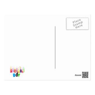 Collage coloré de bougies de garçon d'anniversaire carte postale