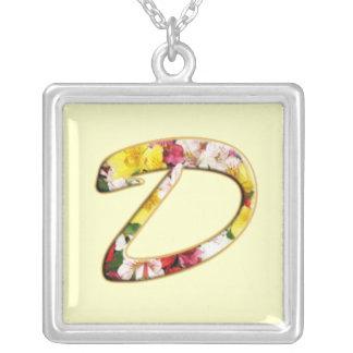 Collier initial de monogramme de D