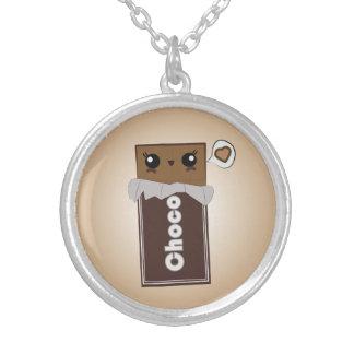 Collier mignon de barre de chocolat