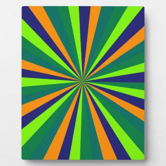 Color explosion plaque
