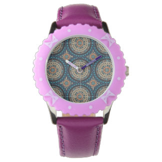 Colorful abstract ethnic floral mandala pattern de wristwatch