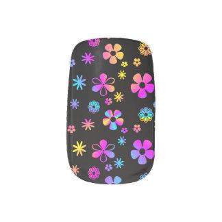 Colorful Daisy: Retro Minx Nails Minx Nail Art